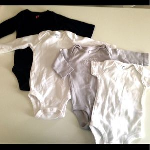 🍒4 CARTERS BODYSUITS 🍒
